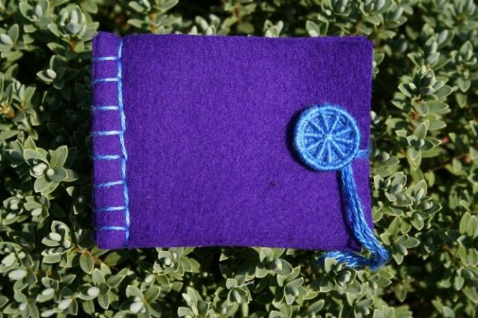 Dorset Button Sewing Kit - Needle Book, Purple